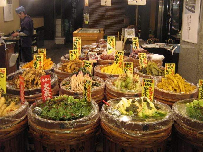 nishiki-market-kyoto-cravings-japan-gavin-anderson