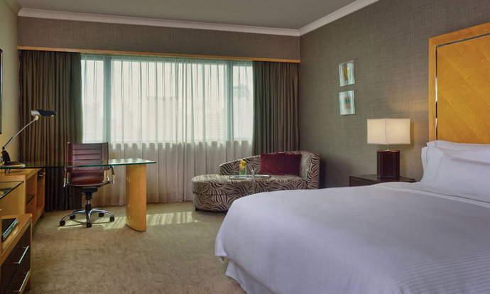 westin-grande-sukhumvit-deluxe-room