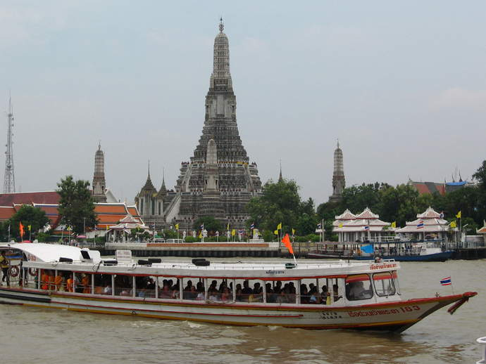chao-praya-river-cravings-travel