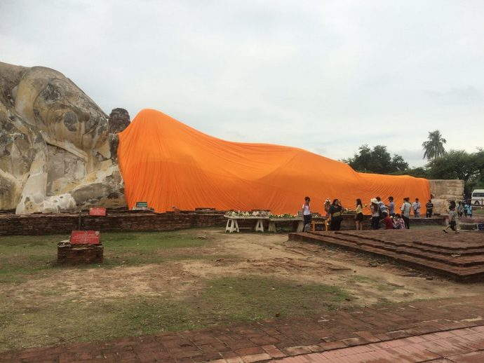 Ayothya-leaning-buddha-bangkok