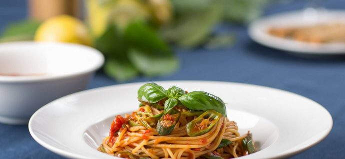 Spaghetti with Spicy Lady's Fingers & Spring Onion in Basilico Sauce