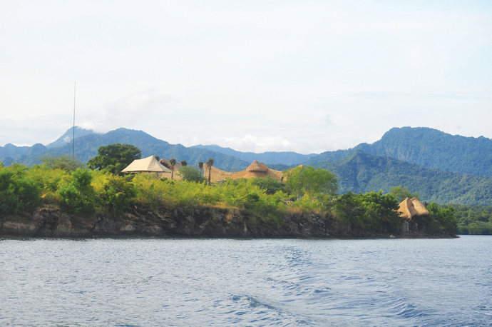 Distant-view-to-Menjangan-Dynasty-Resort