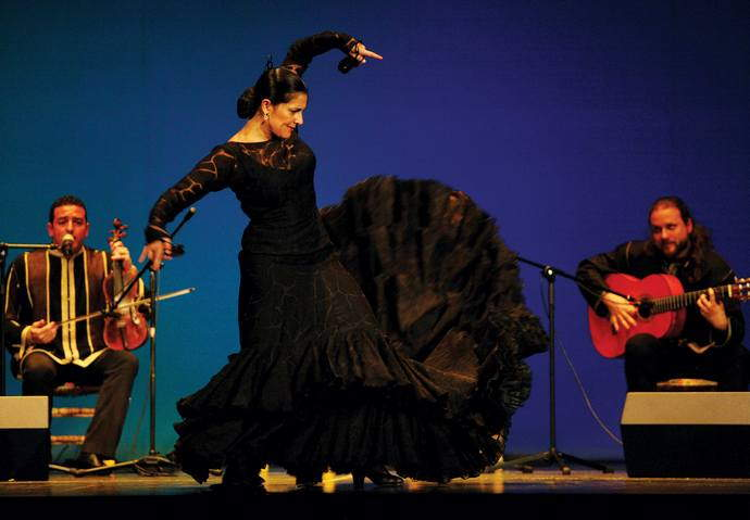 Chekara - A fusion between classical flamenco dancings and Andalusian music from Morocco.