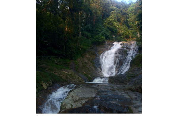 Waterfall-cameron-highlands-cravings-feature