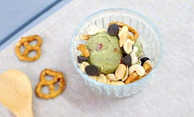 Quick Matcha Granola Yogurt Ice-Cream