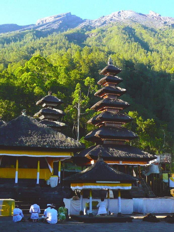 Alila Manggis - Alila Experiences - Pasar Agung Praying inside the Temple