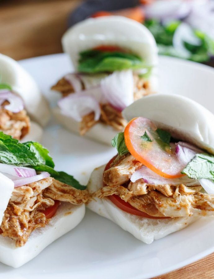 Pulled Chicken Mantou Sliders
