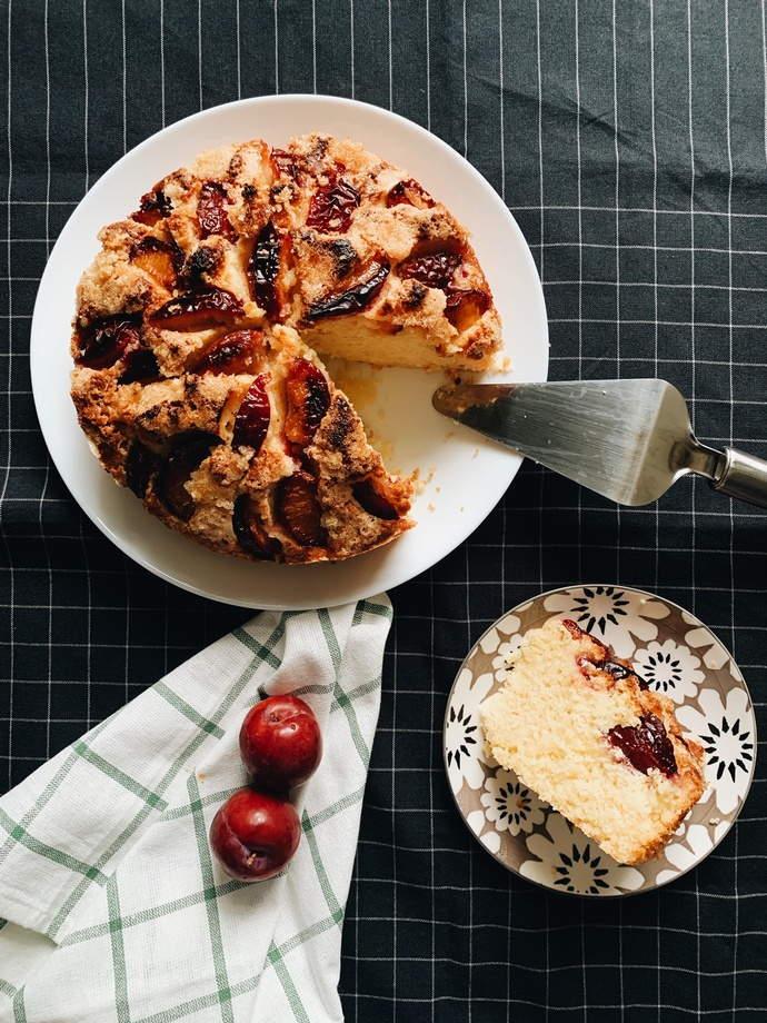 Easy Plum Cake