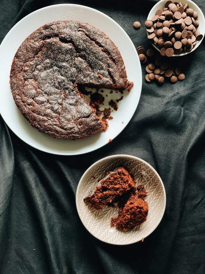 chocolate-jam-cake